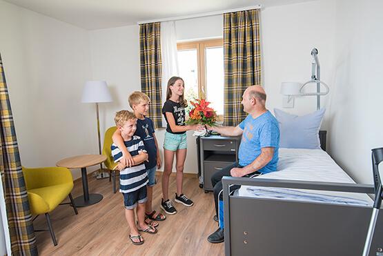 KWA Klinik Stift Rottal: Besuch im Reha-Appartement