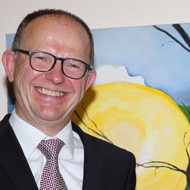 KWA Vorstand Dr. Stefan Arend, eine Bewohnerin und Stiftsdirektor Manfred Zwick, 40 Jahre KWA Parkstift Hahnhof und 50 Jahre KWA - Jubiläumsfeier