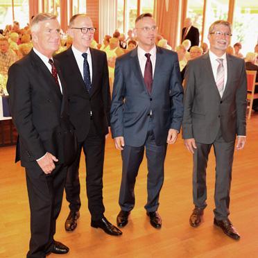 von links: Wolf-Dieter Krause (KWA Aufsichtsrat), Dr. Stefan Arend (KWA Vorstand), Dr. Andreas Osner (Bgm. der Stadt Konstanz), Herbert Schlecht (Stiftsdirektor des KWA Parkstifts Rosenau)