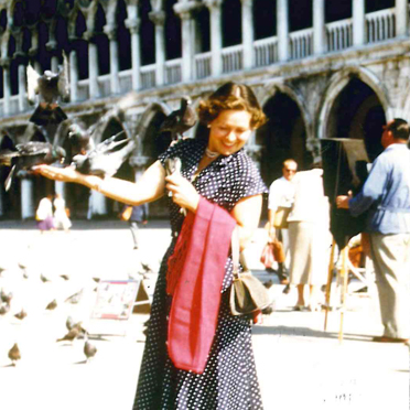 Eleonore Middelmann auf dem Markusplatz, Venedig