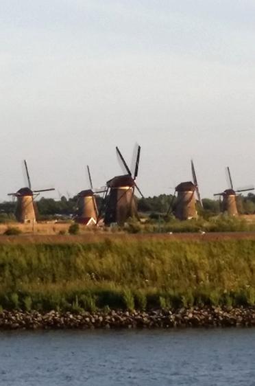 Die weltberühmten Windmühlen von Kinderdijk