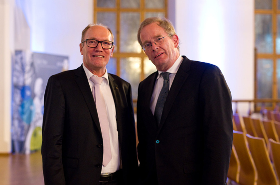 Vorstand Horst Schmieder mit Festredner Prof. Dr. Dr. Andreas Kruse, Professor für Gerontologie und Direktor des Instituts für Gerontologie der Universität Heidelberg