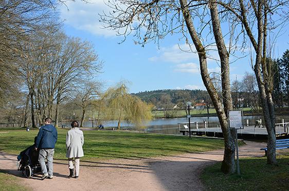 Spaziergang vom KWA Kurstift Bad Dürrheim zum nahen Salinensee
