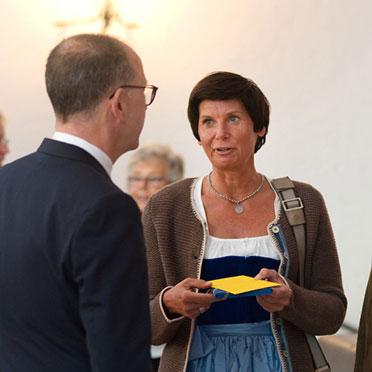 Festgast Barbara Mallmann: Gemeinsam mit den beiden KWA Stiftsdirektorinnen Ursula Cieslar und Gisela Hüttis engagiert sie sich ehrenamtlich in Ottobrunn in der Pflegesprechstunde der Kommune.