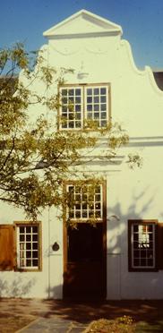 Weingut in Stellenbosch. Stellenboschach ist nach Kapstadt die älteste von Europäern gegründete Siedlung im heutigen Südafrika
