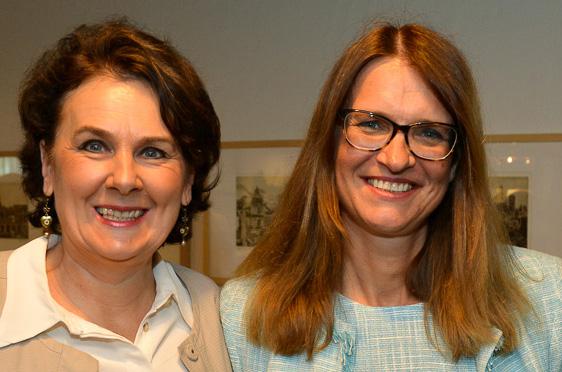 Stiftsdirektorinnen unter sich: Lisa Brandl-Thür vom KWA Stift Rupertihof in Rottach-Egern mit Alexandra Kurka-Wöbking.