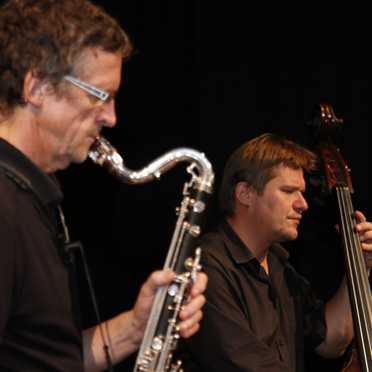 Ernst-Kreuzmair-Trio, KWA wird 50 Jahre und das KWA Bildungszentrum begrüßt 170 neue Schüler