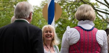 Mittig: Sieglinde Hankele, Pressesprecherin