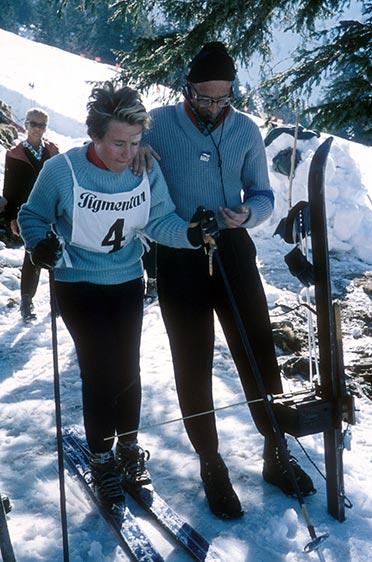 Heidi Biebl vor dem Start zur Deutschen Meisterschaft 1959 am Hochgrat