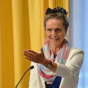 Festrednerin Dr. Susanne-Eick Wildgans: Sie ist dem Haus durch Angehörige verbunden, engagiert sich als Beiratsvorsitzende für die Bewohner des Wohnbereichs Pflege