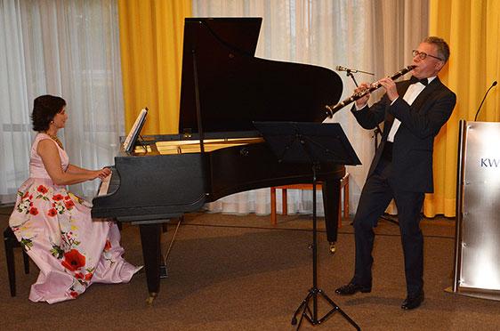 Marina Kaljushny am Klavier, Michael Kaljushny an der Klarinette.