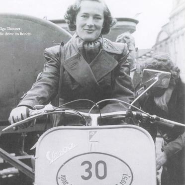 Elga Thouret bei der ADAC Deutschlandfahrt 1951