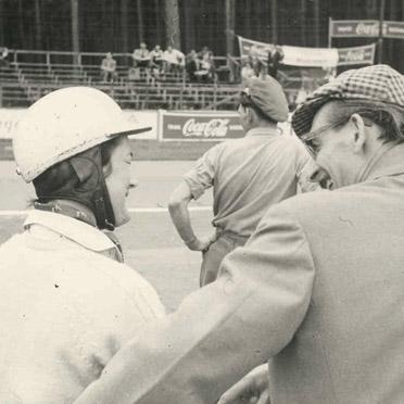 Elga Thouret im Gespräch mit Richard von Frankenberg, einem Motorsport-Ass seiner Zeit