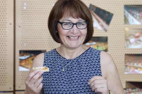 Ingrid Wallner (Verwaltungsleitung). KWA wird 50 Jahre und das KWA Bildungszentrum begrüßt 170 neue Schüler