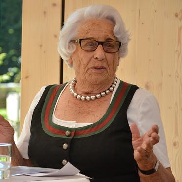 Edigna Freifrau von Godin, Vorsitzende des Stiftsbeirats, 45 Jahre KWA Stift Rupertihof