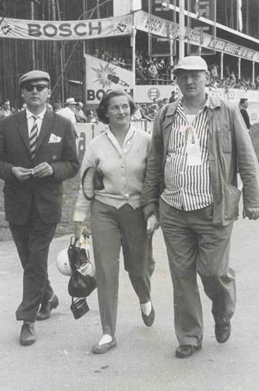 Elga Thouret vor einem Start auf dem Hockenheimring