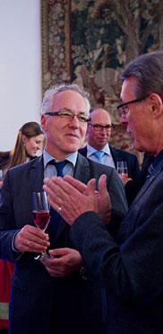 In Bildmitte: Günter Heyland, Bürgermeister der Gemeinde Neubiberg.