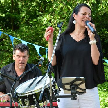 """50 Jahre KWA - Jubiläumsfeier im KWA Parkstift St. Ulrich mit der Band """"Family Affairs"""""""