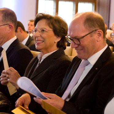 Ehrengast Emilia Müller, Bayer. Staatsministerin, und KWA Vorstand Horst Schmieder