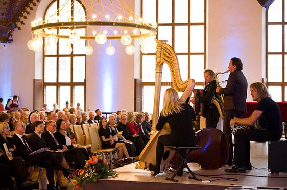 Musik zur 50-Jahre-KWA-Feier im Alten Rathaus in München von Quadro Nuevo.