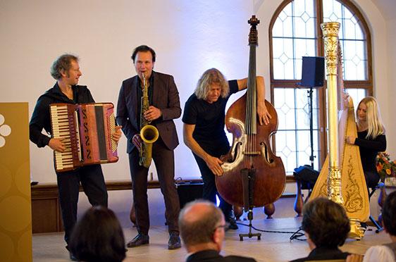 Quadro Nuevo im Festsaal des Alten Rathauses in München: bei der 50-Jahre-KWA-Feier.
