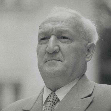 Prof. Dr. Willi Guthsmuth: 1. Vorstand des Münchner Altenwohnstift e.V.