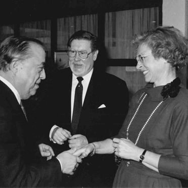 Ehepaar Beckmann mit Finanzpräsident Heinrich Kraus