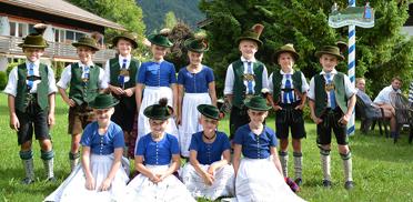 Die jungen Hirschbergler bei der Feier im Rupertihof zum 50sten Geburtstag von KWA Kuratorium Wohnen im Alter