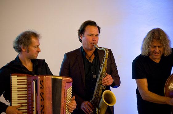 Quadro Nuevo; hier von links: Andreas Hinterseher, Mulo Francel, D. D. Lowka.