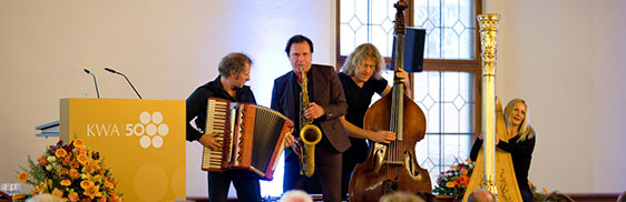 Weltmusik von Quadro Nuevo, zur 50-Jahre-KWA-Feier im Alten Rathaus in München.