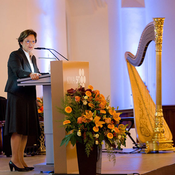 Emilia Müller, Bayerische Staatsministerin für Arbeit und Soziales, Familie und Integration, im Alten Rathaus in München, zu Ehren von KWA Kuratorium Wohnen im Alter.