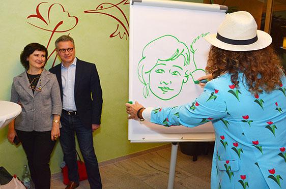 Phil Splash porträtiert nämlich munter weiter. Sein Motiv hier: Marina und Michael Kaljushny.