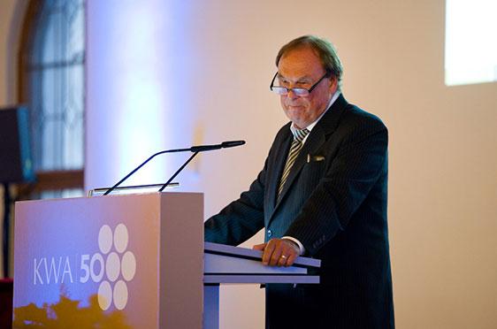 Der Vorsitzende des KWA Aufsichtsrats: Professor Dr. Manfred Matusza.