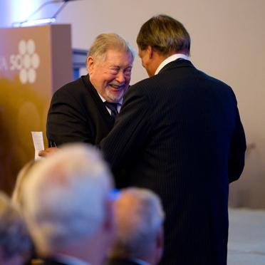 Hermann Beckmann und der Vorsitzende des KWA Aufsichtsrats, Professor Dr. Manfred Matusza.
