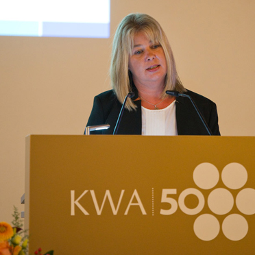 Peggy Schade, Vorsitzende des KWA Gesamtbetriebsrates als Vertreterin der KWA Mitarbeiter