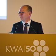 KWA Vorstand Dr. Stefan Arend führte durch den Abend