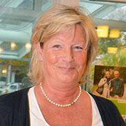 Auch diese Dame freut sich sichtlich auf die 50-Jahre-KWA-Feier im Hanns-Seidel-Haus.