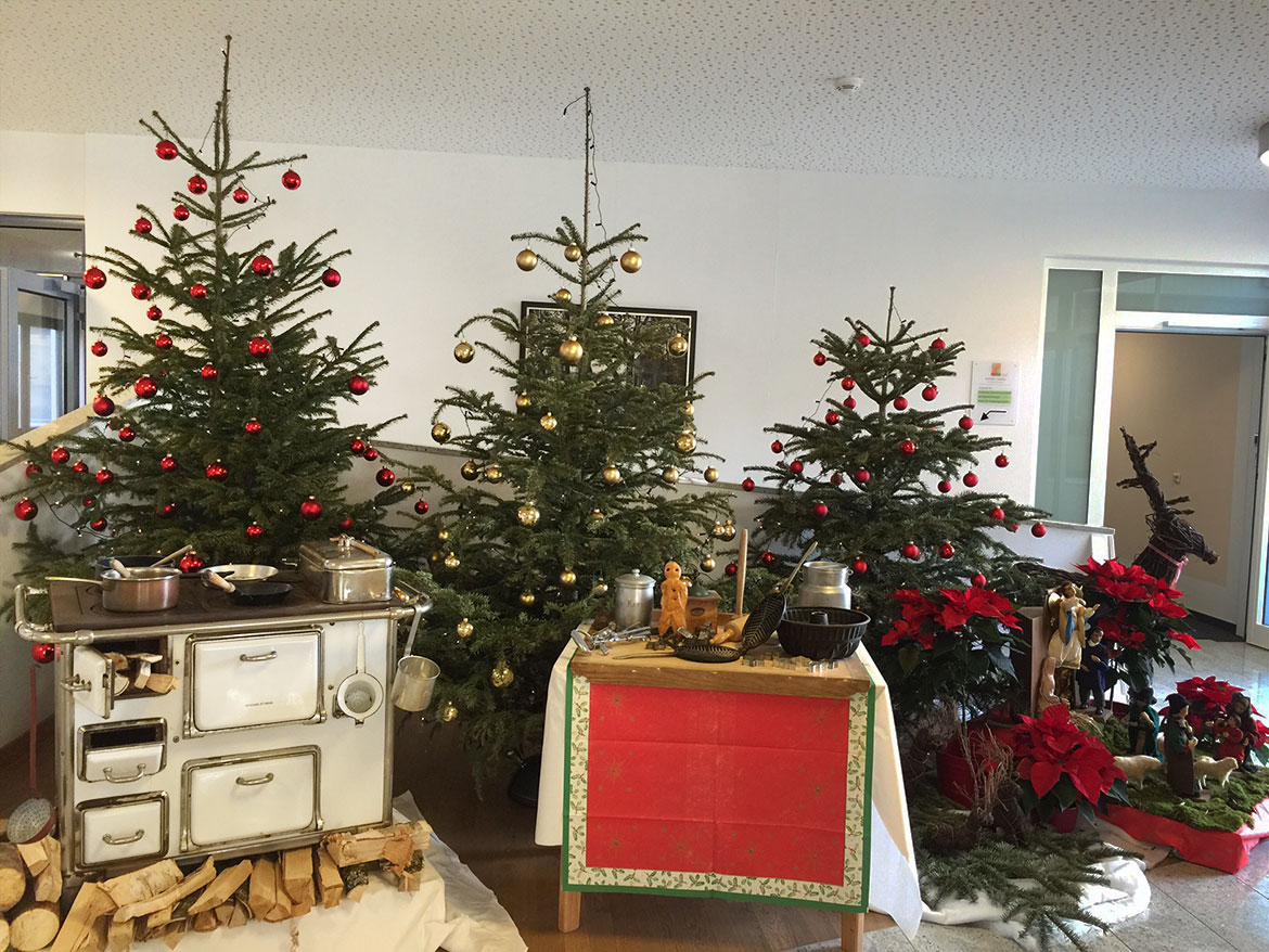 Christbaum-Trio im KWA Parkstift Rosenau in Konstanz