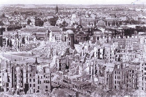 Blick vom Rathausturm nach Norden (1949)