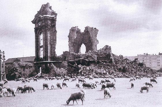 Ruine der Frauenkirche (1957)