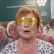 Mit der richtigen Brille: ein goldener Blick auf das Leben.