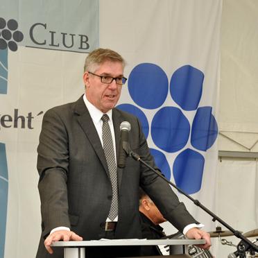 Arnd-Werner Schug