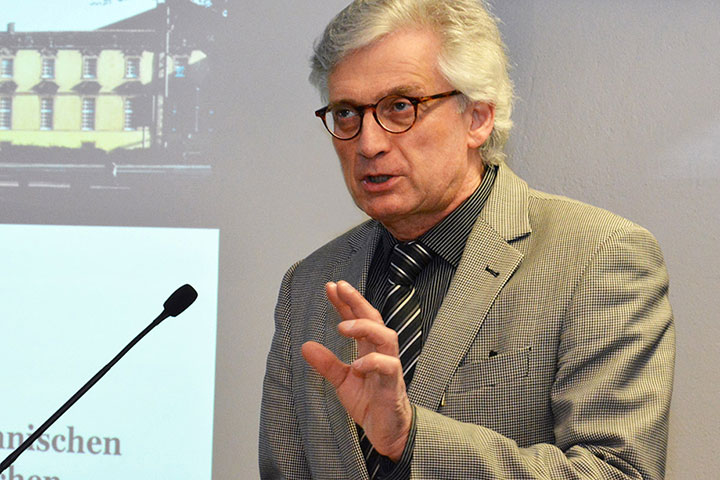 Prof. Dr. Hartmut Remmers, Professur für Pflegewissenschaft an der Universität Osnabrück, Fachber. Humanwissenschaften