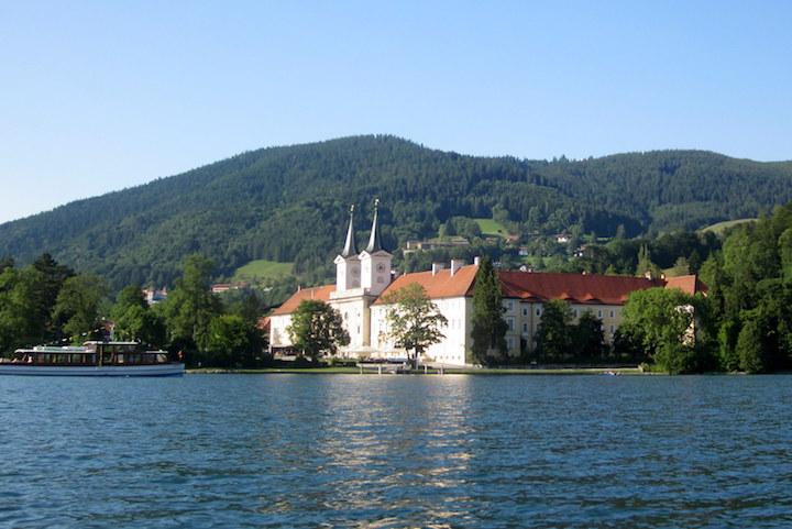Trilogie zur Gründung des Tegernseer Klosters