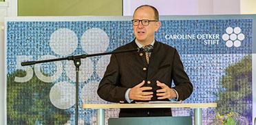 KWA Vorstand Dr. Stefan Arend bei seiner Ansprache zum Maifest