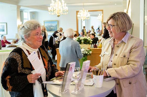 Zur Unterstützung des Caroline Oetker Stift Teams war auch Karin Ihringer aus München angereist - sie leitet das Marketing bei KWA
