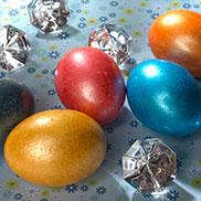 """""""Brillant-Ei"""": Einen edlen Metallic-Look erreicht man mit der Eierfarbe Brillant-Ei."""