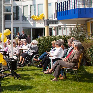 Der Tag der Jubiläumsfeier im KWA Stift Urbana im Stadtgarten wird als sonniger Tag in Erinnerung bleiben