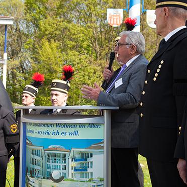 Klaus Strehl, Erster Bürgermeister der Stadt Bottrop, bei seiner Ansprache zur Feier 50 Jahre KWA