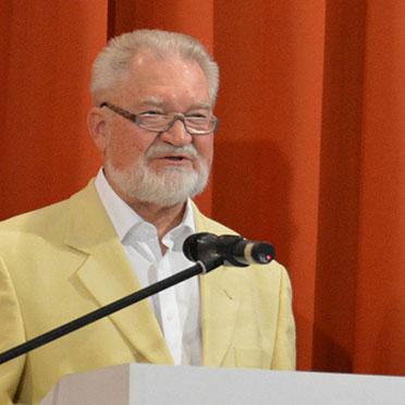 Am Rednerpult: der Stiftsbeiratsvorsitzende Volker Schulze.